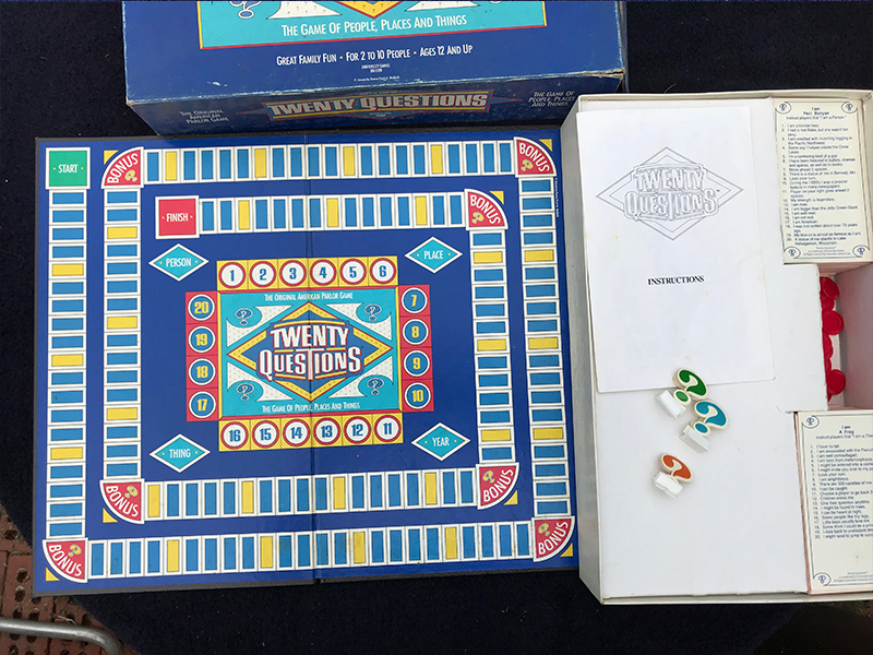 Vintage (1987) Twenty Questions Original Parlor Game of question and answer  published by Bates | University Games  Complete!